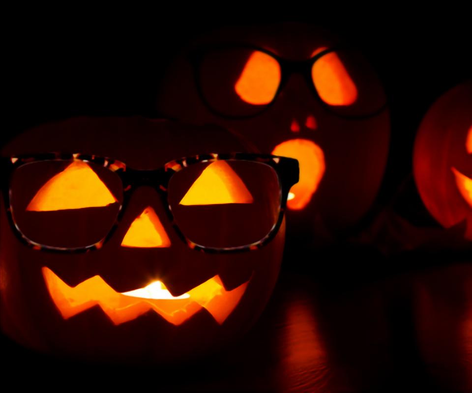 pumpkins wearing glasses