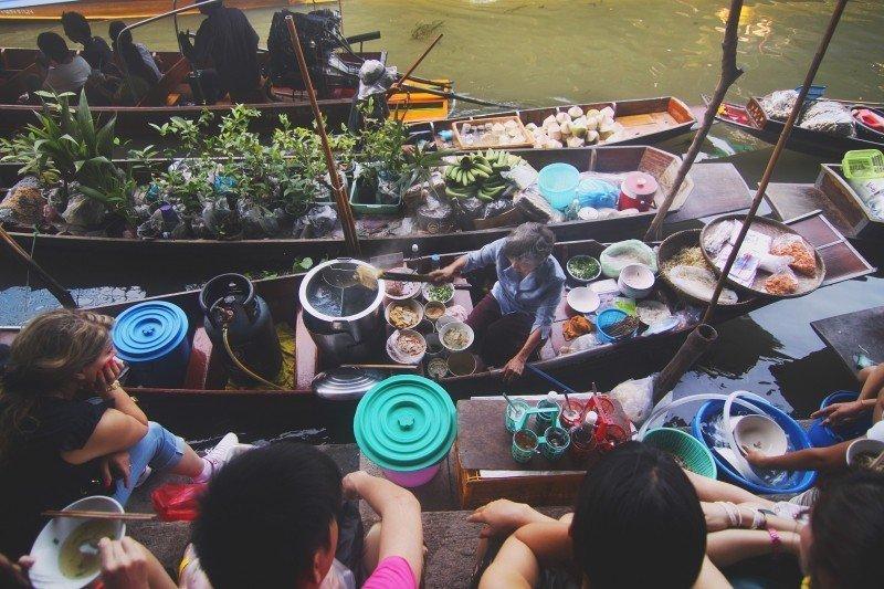 food market on boats