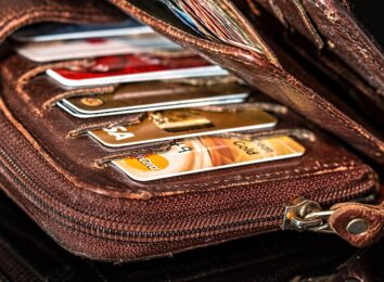 credit cards in purse