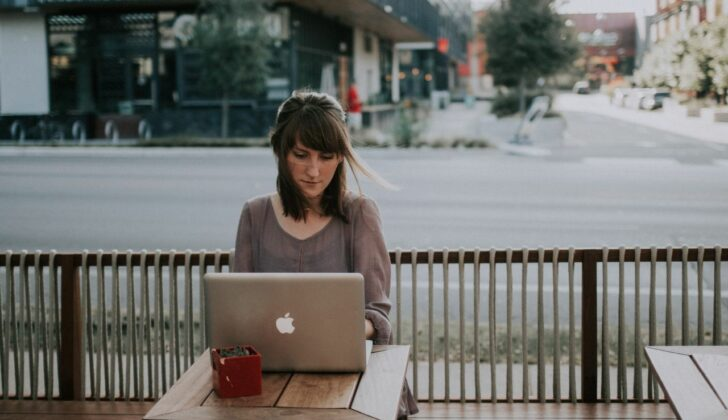 woman working at coffee shop